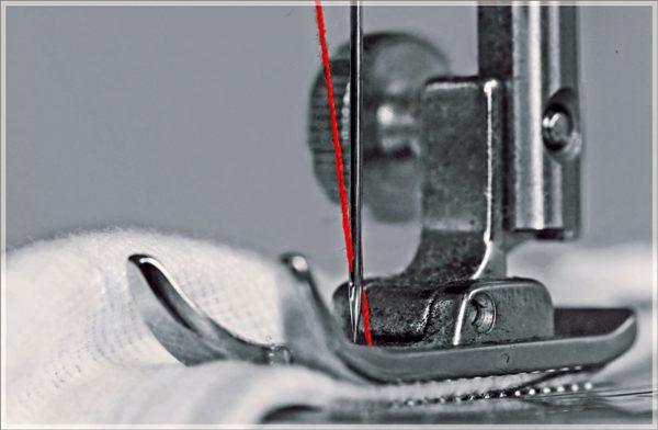 Symbolbild für das Nähatelier in Genf, das von der Inländischen Mission unterstützt wird. (Foto: birgitH/pixelio.de