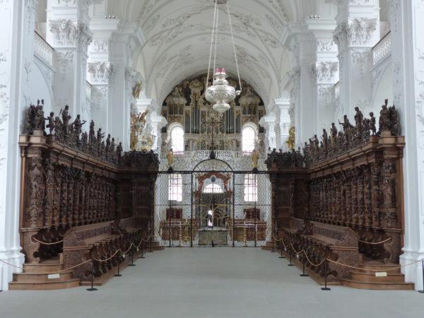 Das berühmte Chorgestühl der Klosterkirche St. Urban. (Foto: ufw)