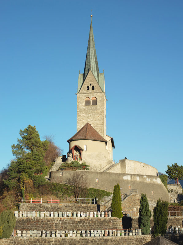 Kirche Sogn Gion in Domat/Ems (GR); l'église St-Jean à Domat/Ems (GR); La chiesa di San Giovanni a Domat/Ems (GR)